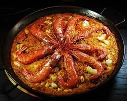 《時報周刊》我吃故我在-會站立的麵條 西班牙海鮮燉麵