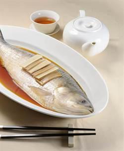 《時報周刊》我吃故我在-腴而不膩.鱗片是寶 清蒸鰣魚