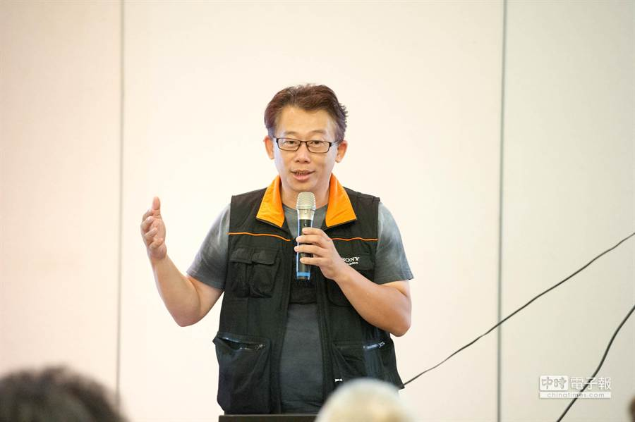 震博 SONY DSLR CLUB負責人林文煌在這次展期安排了四場講座分享攝影心得,場場精彩。(黃仲裕攝)