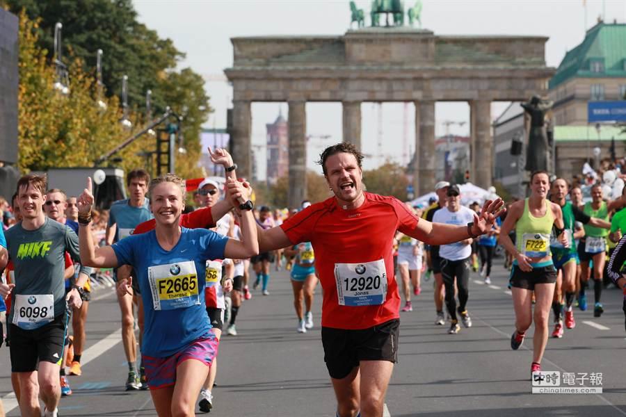 柏林馬拉松為世界六大馬拉松賽事之一,每年皆吸引來自世界各地的長跑好手前往參加。(貿協提供)