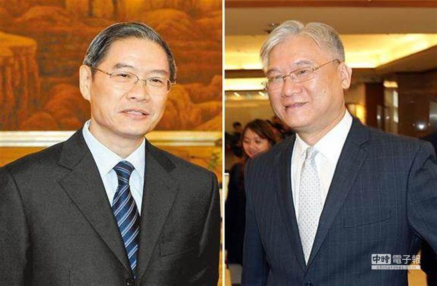 陸委會主委夏立言(右)表示,希望5月能與國台辦主任張志軍(左)見面,不過討論亞投行是不可避免的議題。(左/中新社,右/姚志平攝)