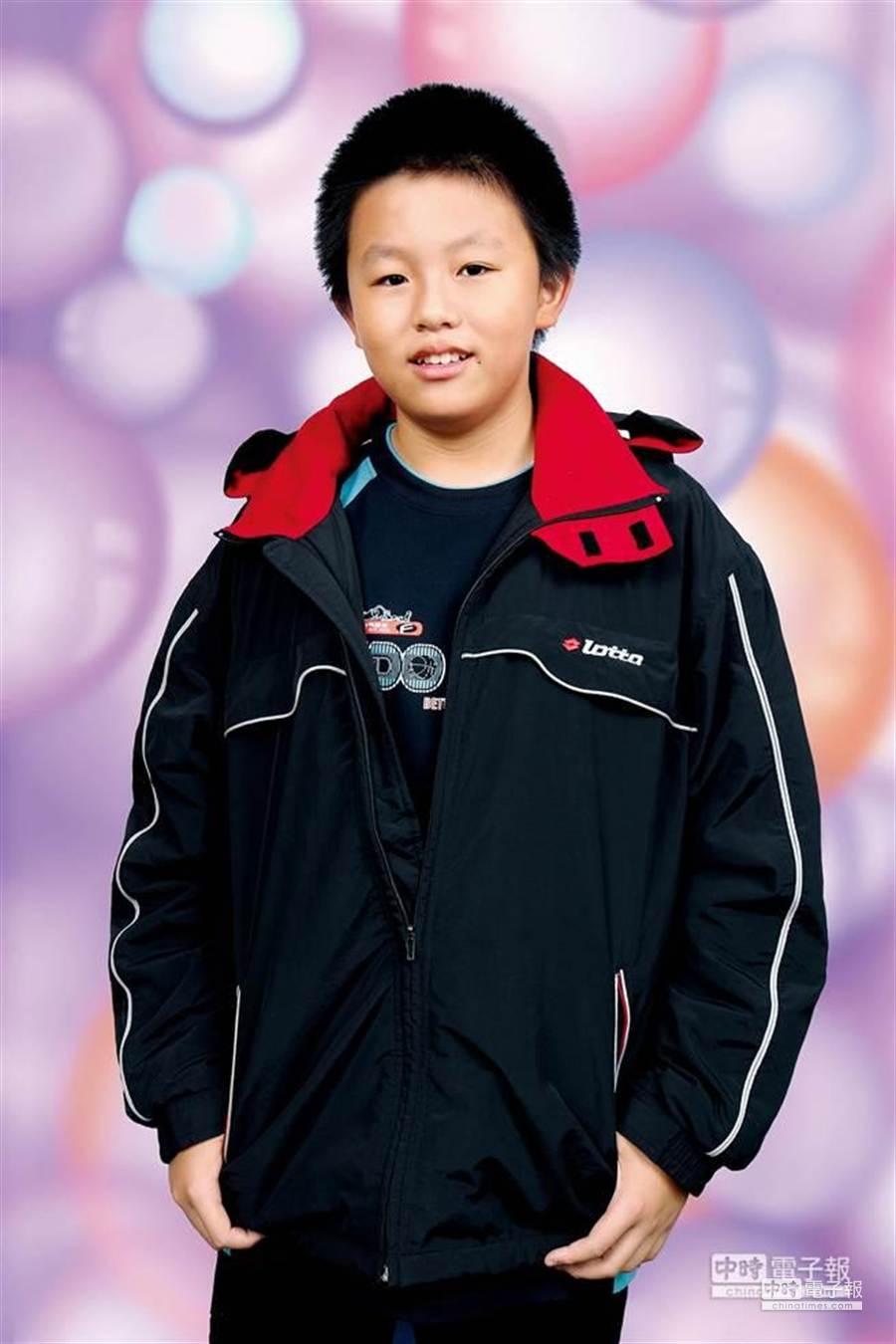 台北市敦化國中國二學生林奕帆參加T&AMC全球數學分級能力測驗,獲得唯一總滿分。(林奕帆提供)