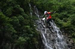 張家界天門山:自行車天梯速降