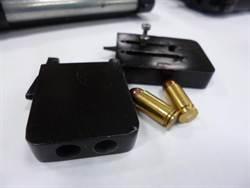 特務專用 警起獲罕見名片手槍