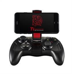 曜越推出 iOS手機遊戲專用無線搖桿