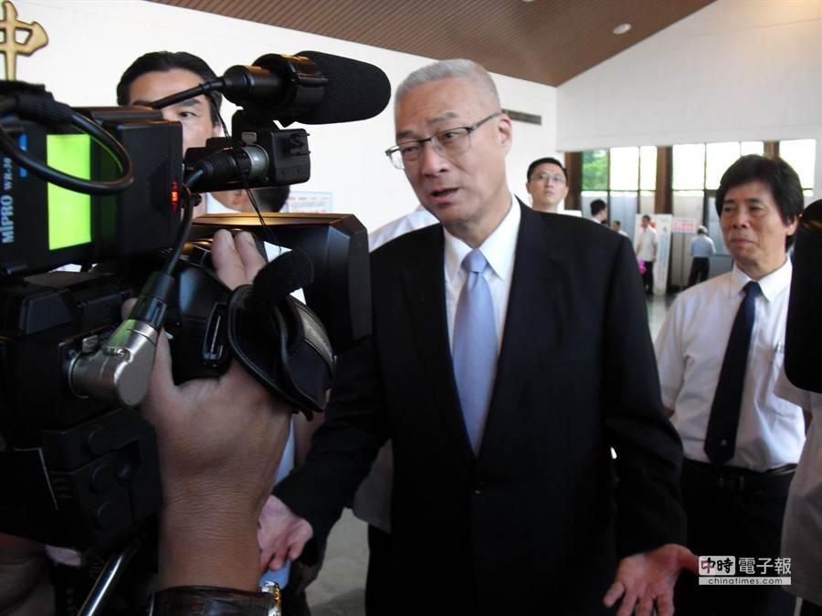 吳敦義表示,洪智坤還要繼續加害的話,那就等著來吧。(張啟芳攝)