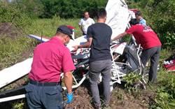 1輕航機墜落屏東 45歲駕駛骨折