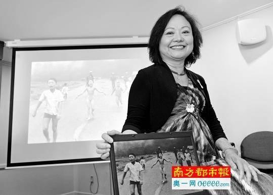 金福如今已經52歲,定居加拿大。她的身份除了妻子、母親外,還包括聯合國親善大使。(圖/南方都市報)