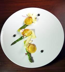 皮蛋、豆腐乳入法菜 the first主廚創藝玩味