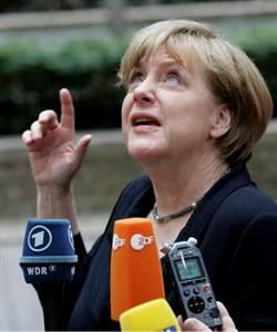 梅克爾:希臘紓困無從談起