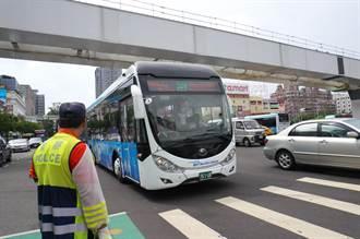 檢討優化公車 慢車道變快 專用道不變