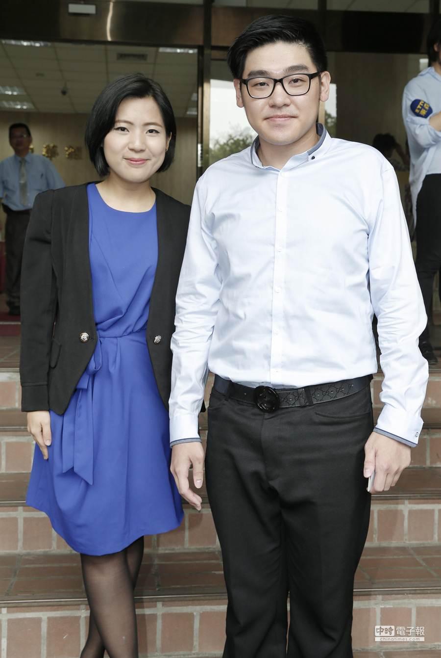 李昶志(右)、徐巧芯(左)將出任洪秀柱辦公室發言人。(姚志平攝)