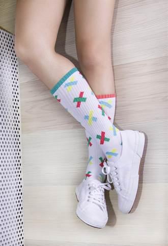 春夏白鞋正夯 'TwinSocks'玩弄穿搭