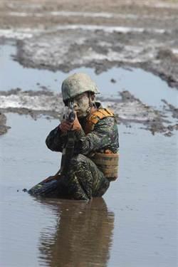 陸戰隊蛙人地獄周 明爬天堂路