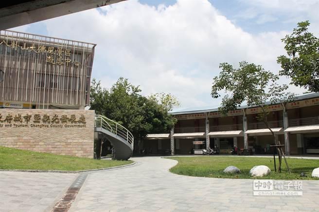 卦山觀光市集徵求文化、創意、產業的個人和團體進駐。(吳敏菁攝)
