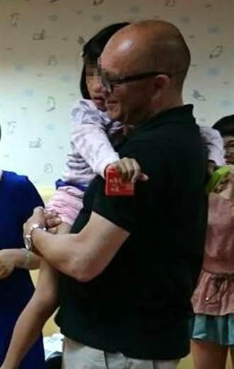 7歲小女孩出養德國 寄養父母依依不捨