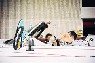 90's塗鴉拼圖 New Balance MRT580/CRT300 激盪潮流街風新態度