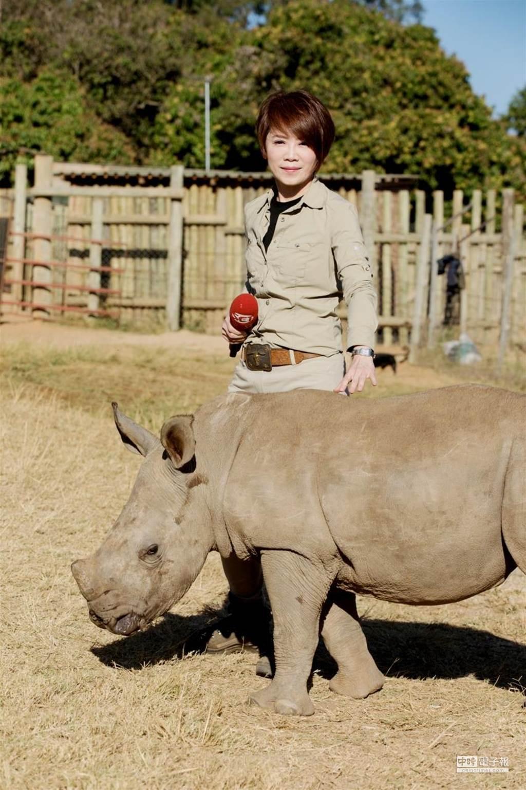 陳雅琳笑說這是她第一次的餵奶經驗。