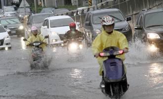 大雨警戒!中部滂沱大雨低窪地積水嚴重