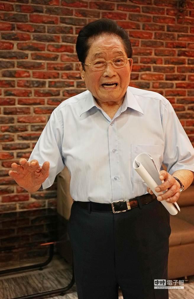 針對段宜康指控,高齡91歲的羅東博愛醫院創辦人許文政,今(17)日下午親自回應此事。(王亭云攝)
