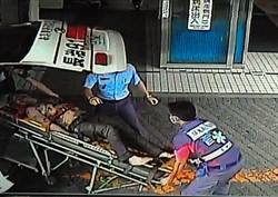 2男跌落堆肥池 警消忍臭搶救