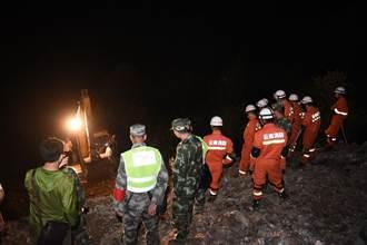 雲南富寧山體滑坡災害救援徹夜進行
