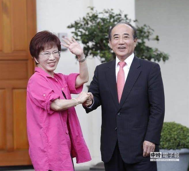 國民黨總統參選人洪秀柱(左)、立法院長王金平(右)。(圖為兩人合照,本報系資料照)