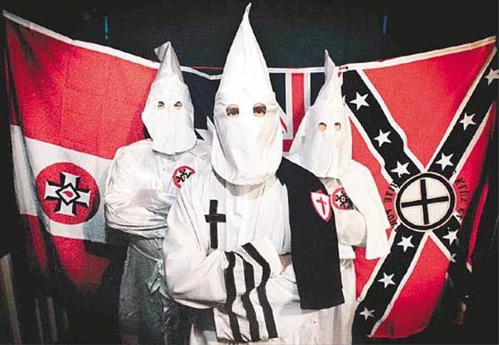 三K黨是一個美國仇恨團體,因對其他種族使用極刑和暴力而臭名昭彰。(圖/今日頭條)