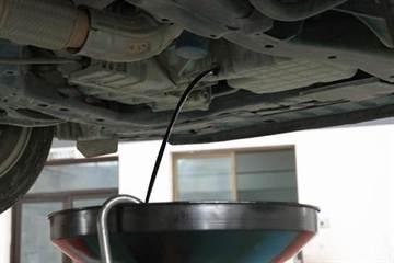 機油變黑代表什麼?變黑後就要換機油嗎?