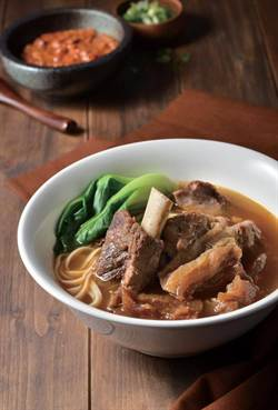 全球首家乾式熟成風味牛肉麵 愛.熟成21進駐統一阪急百貨