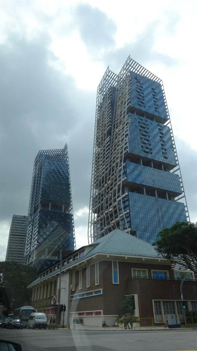 新加坡境內勞動力短缺,大型建物工程進度需謹慎安排。(陳碧芬攝)