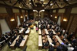 安保法案 在日參院和平法制委員會強行通過