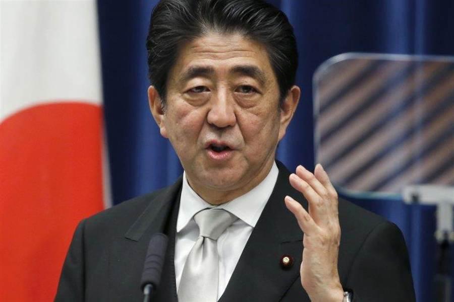 日本首相安倍晉三近日在美國CNN電視臺網站評論欄發文,針對安保法,強調自衛隊參與國際和平協助活動的許可範圍將會擴大。(美聯社)
