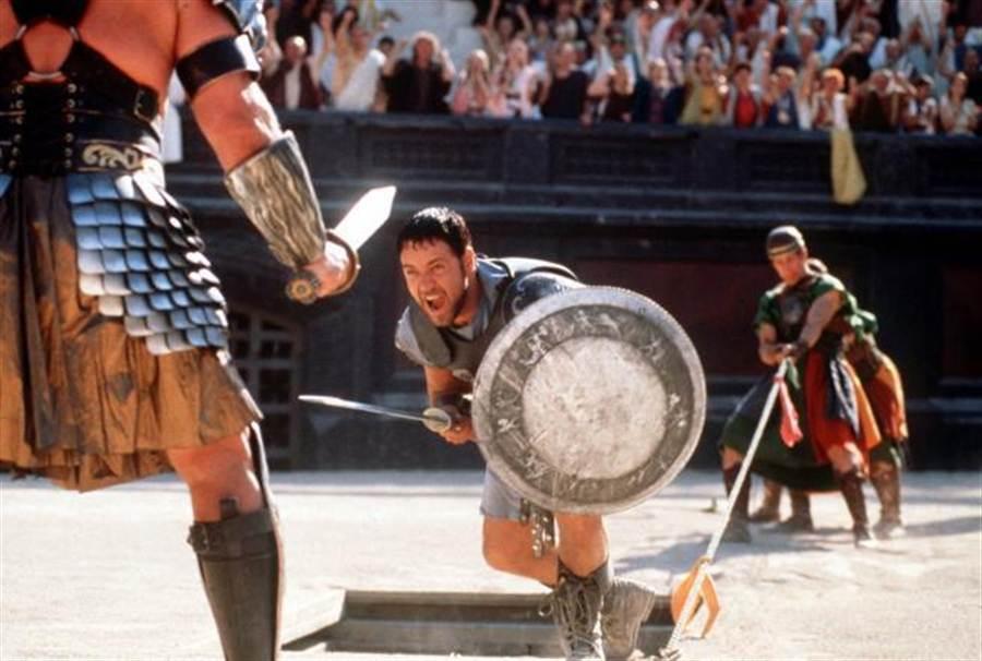 古羅馬的競技場並非一味以性命相搏,圖為電影神鬼戰士劇照。(美聯社資料照)