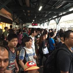 高鐵臨時宣布取消自由座 人潮湧入台鐵