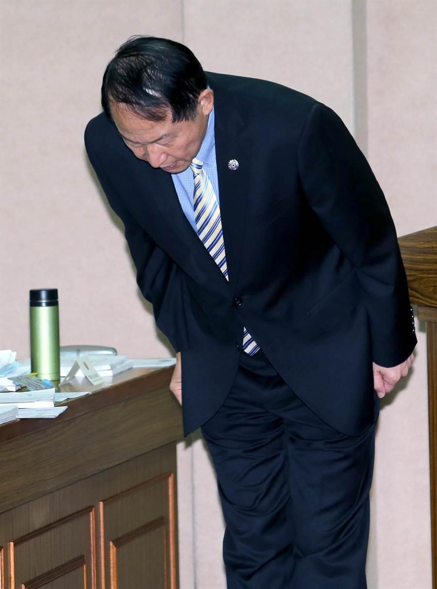 董翔龍在立院為助選爆罵混蛋一事道歉。(黃世麒攝)