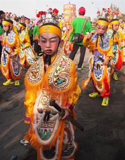 屏東東港迎王祭 請來封大千歲