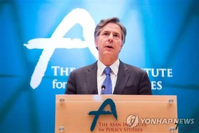 美國副國務卿布林肯7日在南韓首爾峨山政策研究院演講說,倘若中國有興趣且符合各項要求,歡迎中國加入《跨太平洋夥伴協定》(TPP)。(翻攝自韓聯社網站)