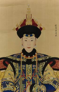 郎世寧《純惠皇貴妃朝服像》 1.374億港元拍出