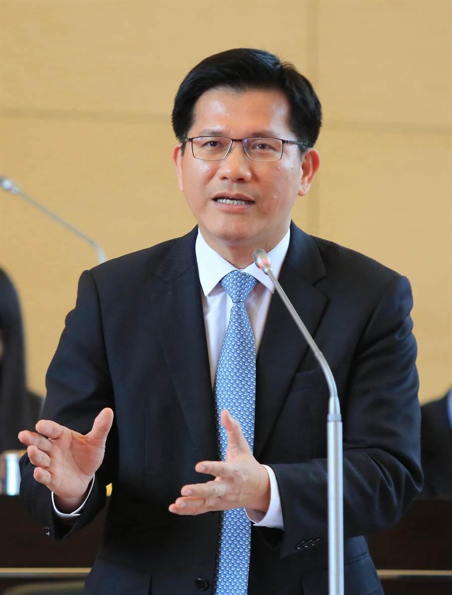 台中市長林佳龍力推明年編列社會住宅規畫設計及工程預算,打造700戶優質好宅。(盧金足攝)
