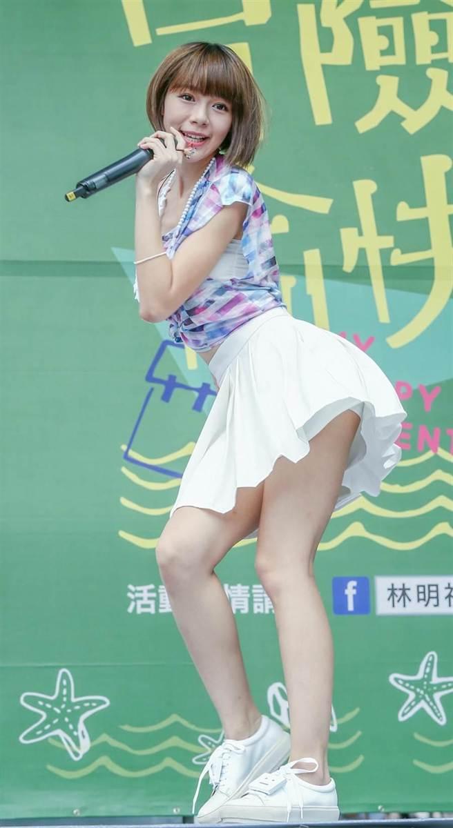 林明禎10日在台北紅樓NET廣場舉行《冒險愉快》台北簽唱會。(盧禕祺攝)