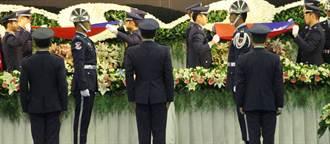 空軍官校公祭  殉職飛官父淚崩