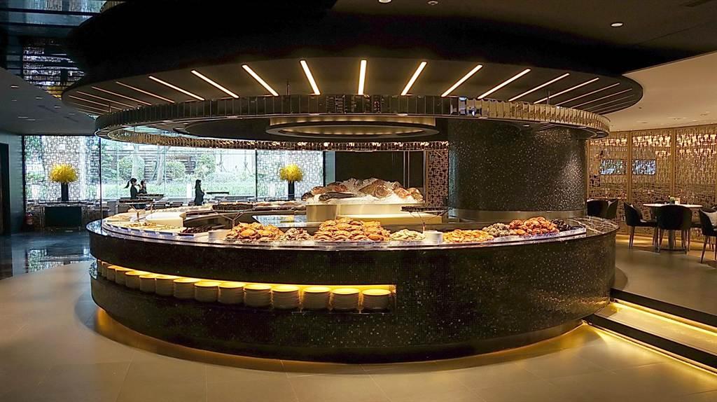 除蝦蟹貝類等帶殼海鮮,全新出擊的〈栢麗廳〉亦將每日自漁港採購的現流鮮魚品項增加。(圖/姚舜攝)