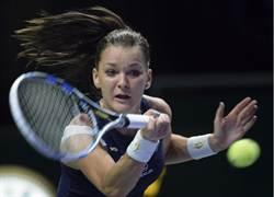 拉瓦絲卡擊敗可維托娃首度摘下年終賽后冠