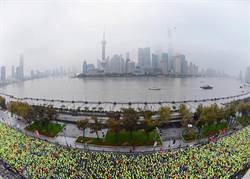 愛女生小編前進上海馬拉松-#上海攔不住 #破PB #21K完跑