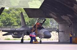 IDF飛官誤觸導爆索 座艙罩彈飛