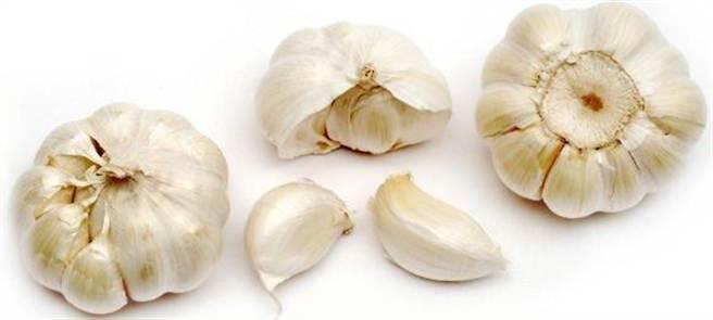 研究指出吃蒜頭可以增加男人味。(圖片取自authoritynutrition)