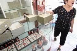 珊瑚店緊鄰警所仍遭竊 損失逾3500萬元