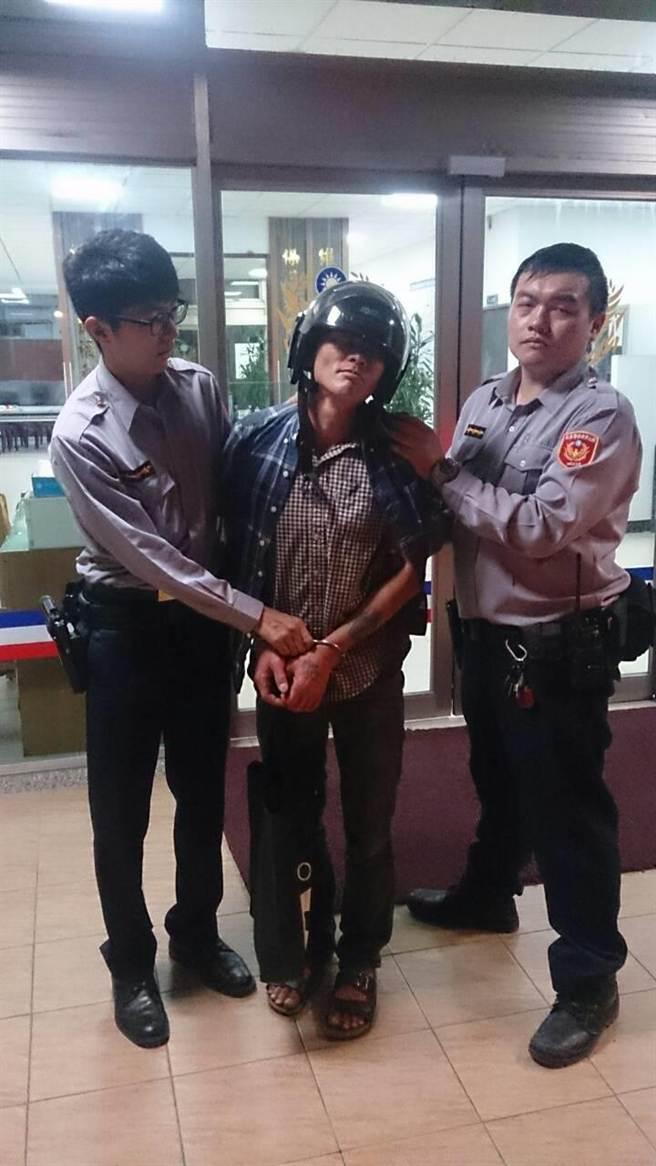 警方將陳嫌逮捕到案。(葉書宏翻攝)