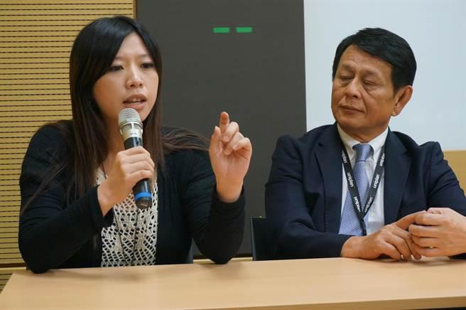 精聯電子主任專員李文琪說,精聯電子與高醫合作,推動遠距居家照護系統整合平台。(顏瑞田攝)